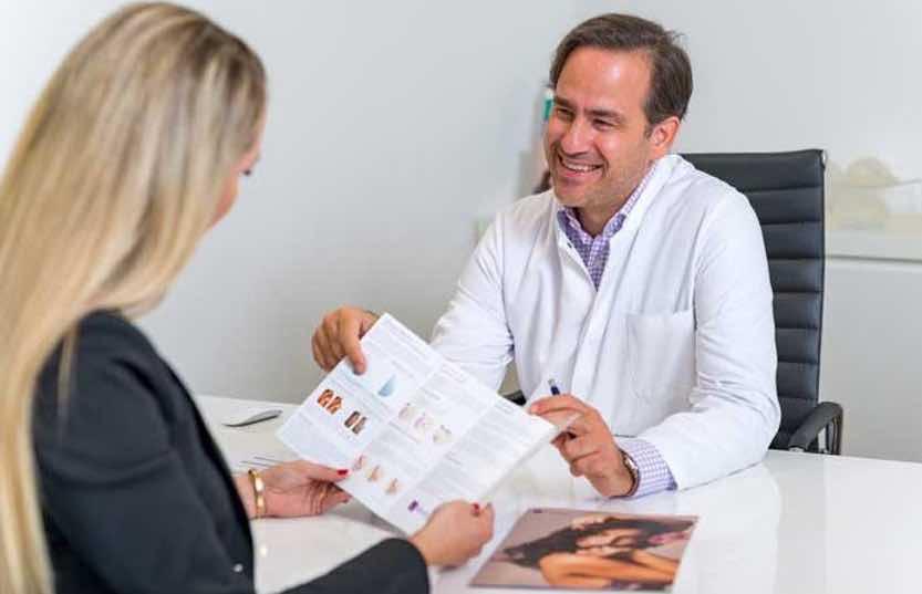 Erhähter Tragekomfort mit B-Lite Brustimplantaten